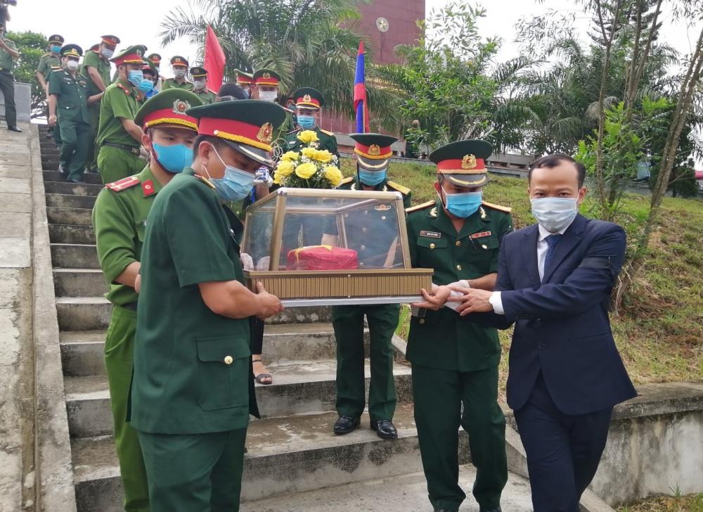 Lãnh đạo Sở tham dự Lễ truy điệu an táng liệt sỹ quân tình nguyện và chuyên gia Việt Nam hy sinh tại Lào