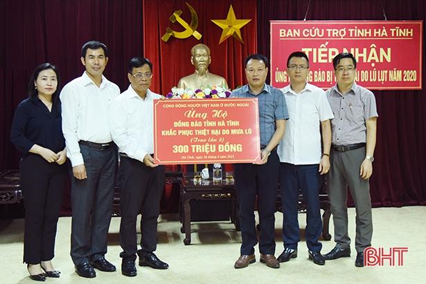 Cộng đồng người Việt ở nước ngoài hỗ trợ người dân vùng lũ Hà Tĩnh 300 triệu đồng
