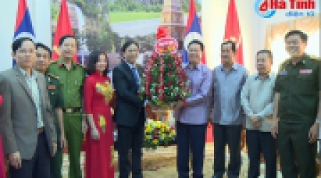 Delegation of Ha Tinh province to pay traditional New...