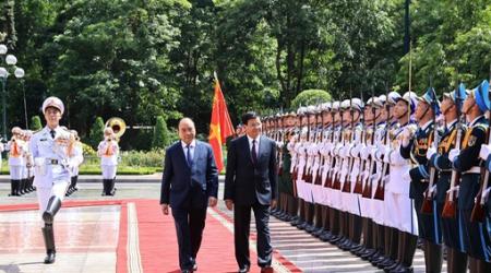 Chủ tịch nước Nguyễn Xuân Phúc chủ trì Lễ đón Tổng Bí...